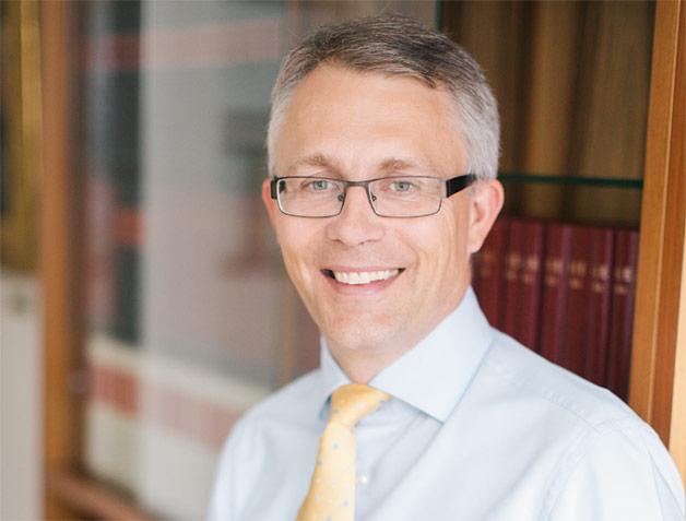 Prof. FH, Dr. iur., Rechtsanwalt
